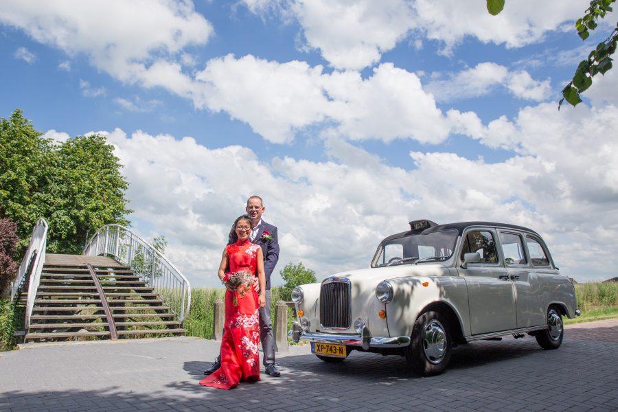 Bart en Juliet in onze Engelse Taxi